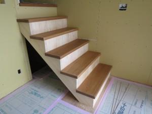 スキップ階段