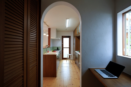 家事室からキッチン